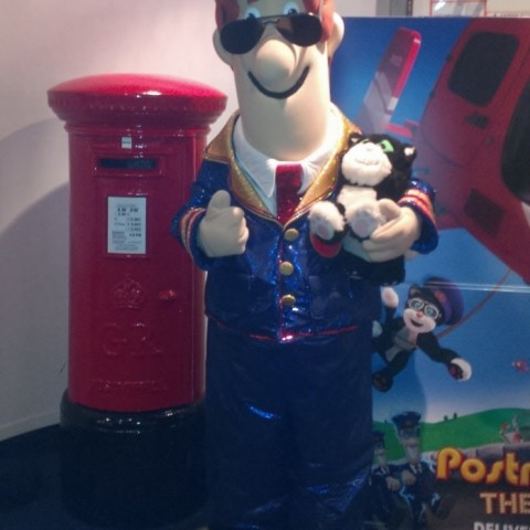 Fullsize pillarbox with Postman Pat